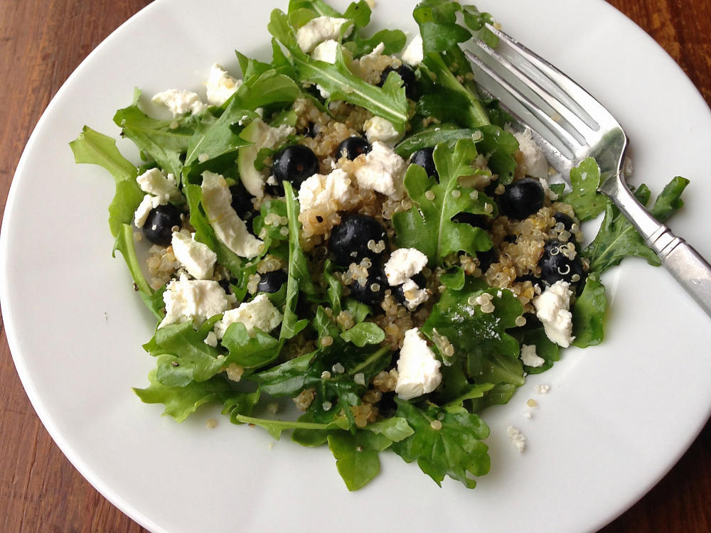 Quinoa-Blueberry Breakfast Salad