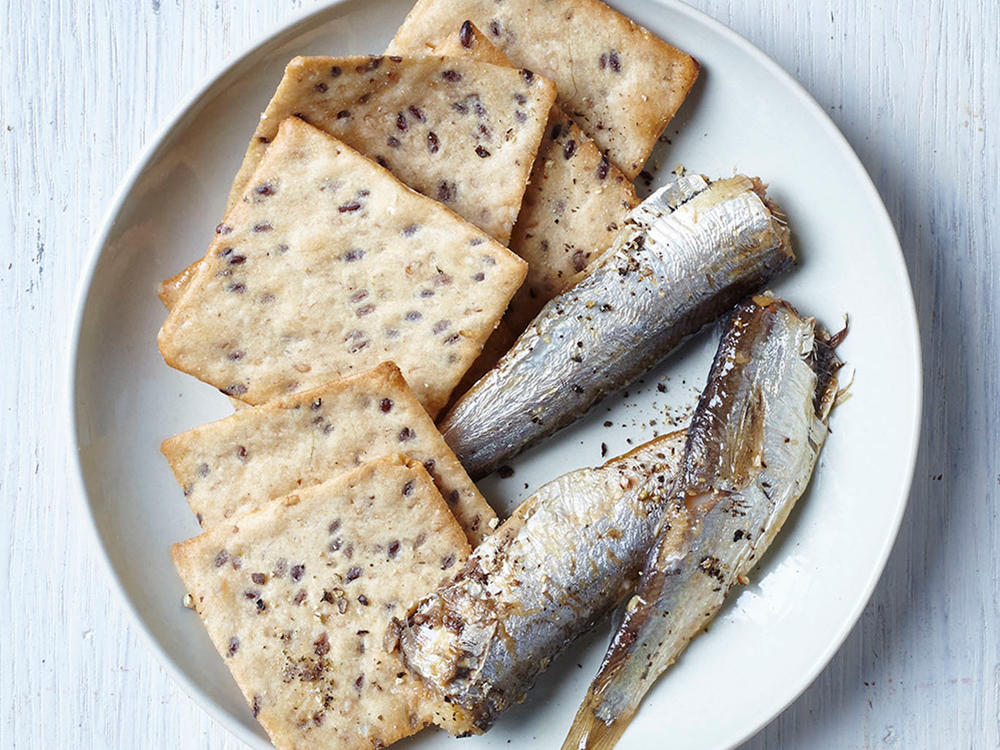 Sardines and Crackers