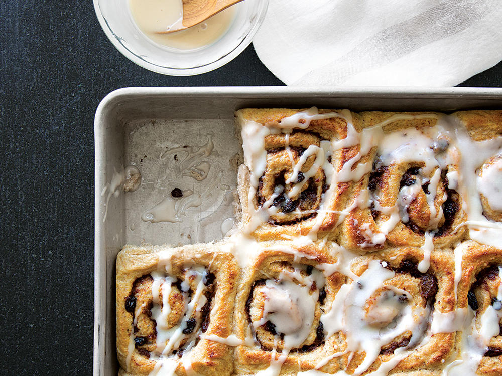 Cinnamon Rolls with Dates