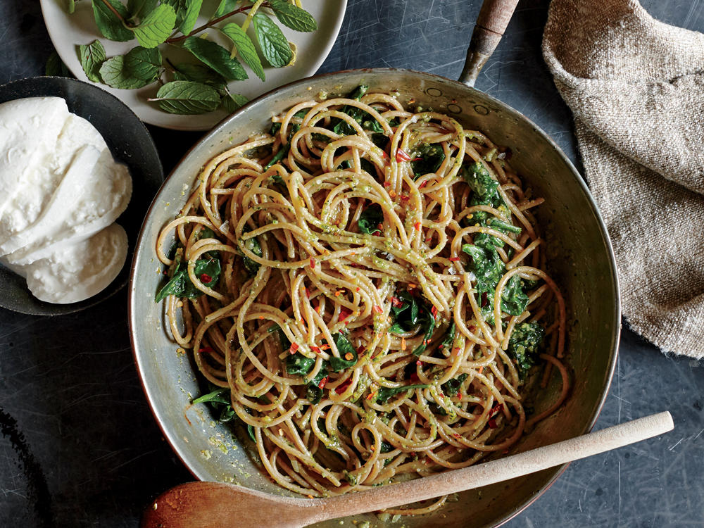 Spaghetti with Pistachio-Mint Pesto and Spinach