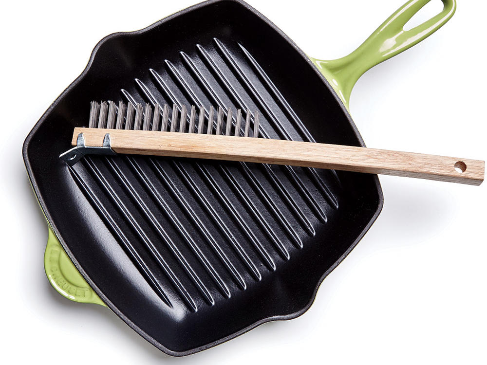 Easily Clean Your Grill Pan