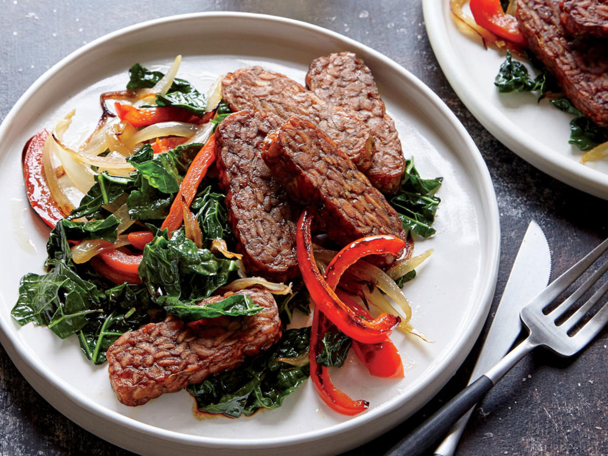 Tempeh with Charred Peppers and Kale