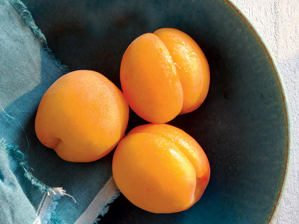 Spring Vegetables and Fruits: Apricots