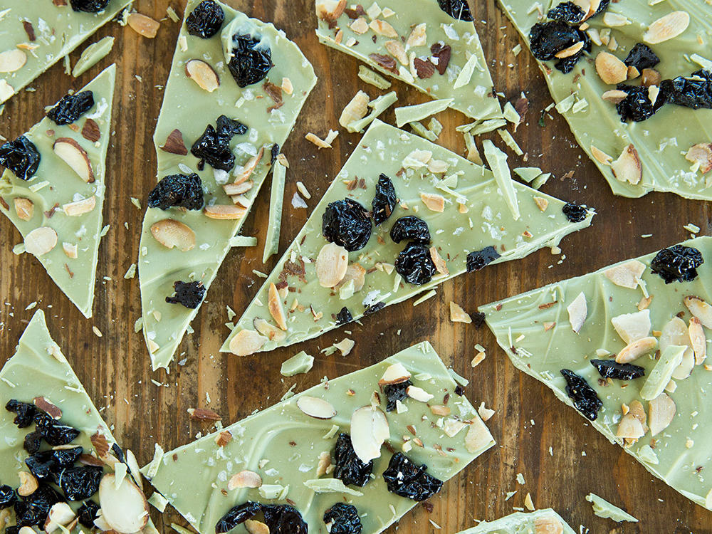 1604 Matcha–White Chocolate Bark