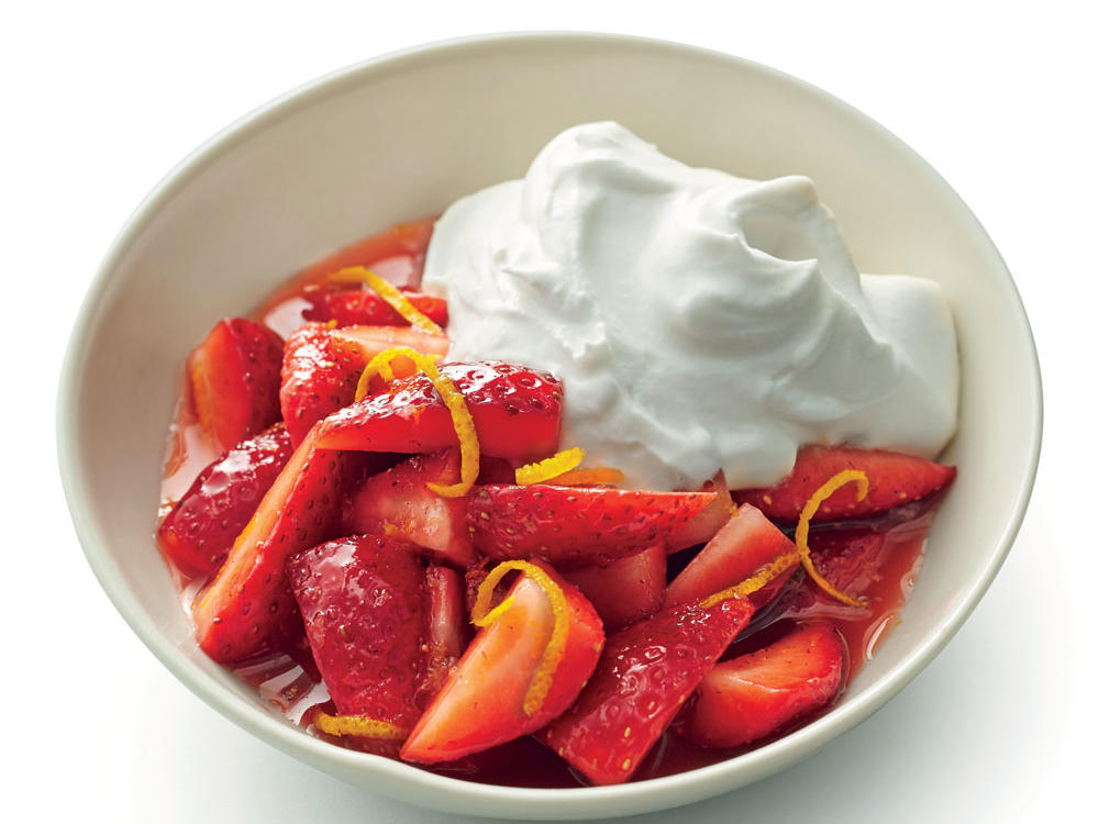 Strawberries with Whipped Sour Cream