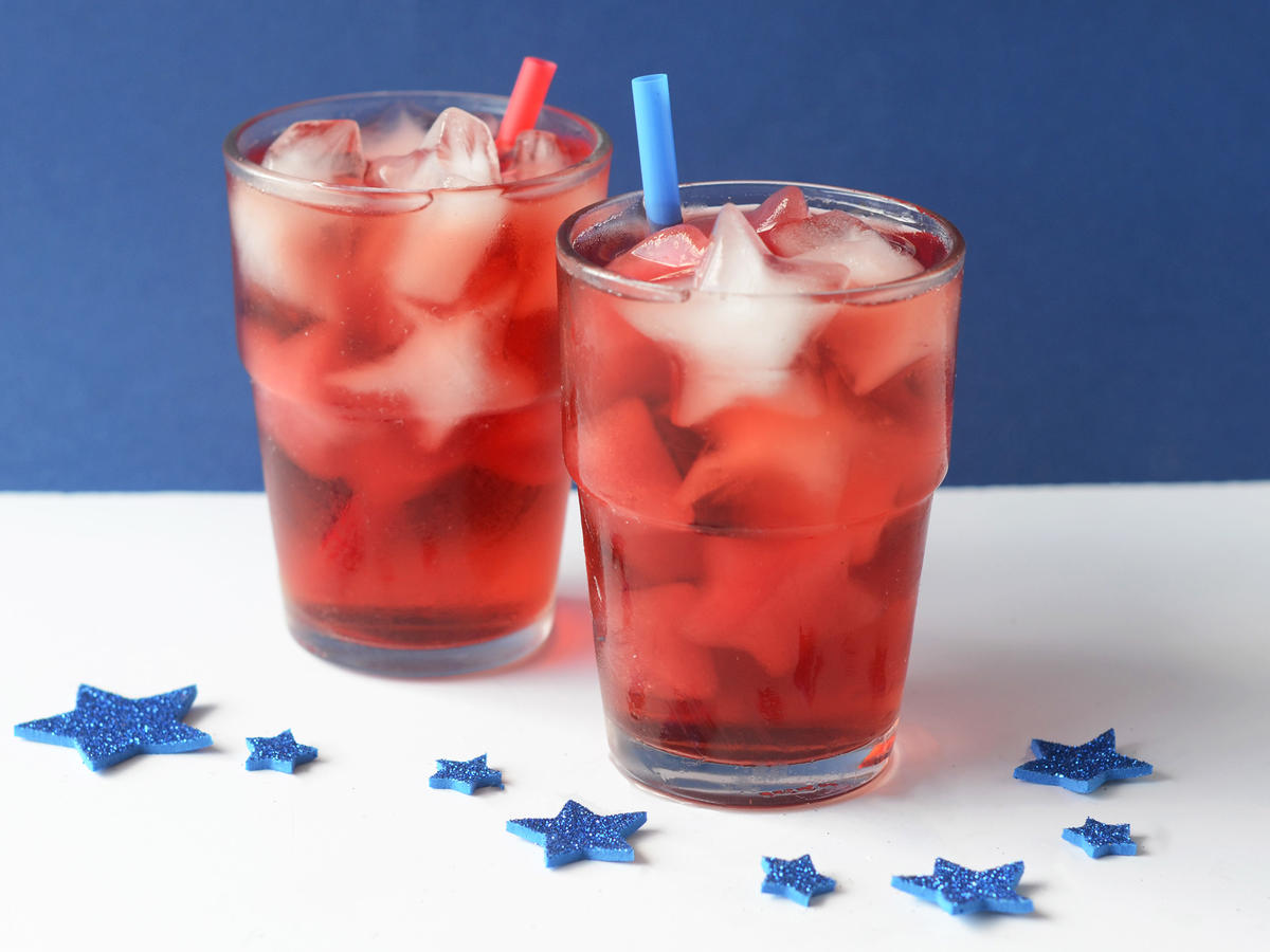 Star-Spangled Peach Iced Tea