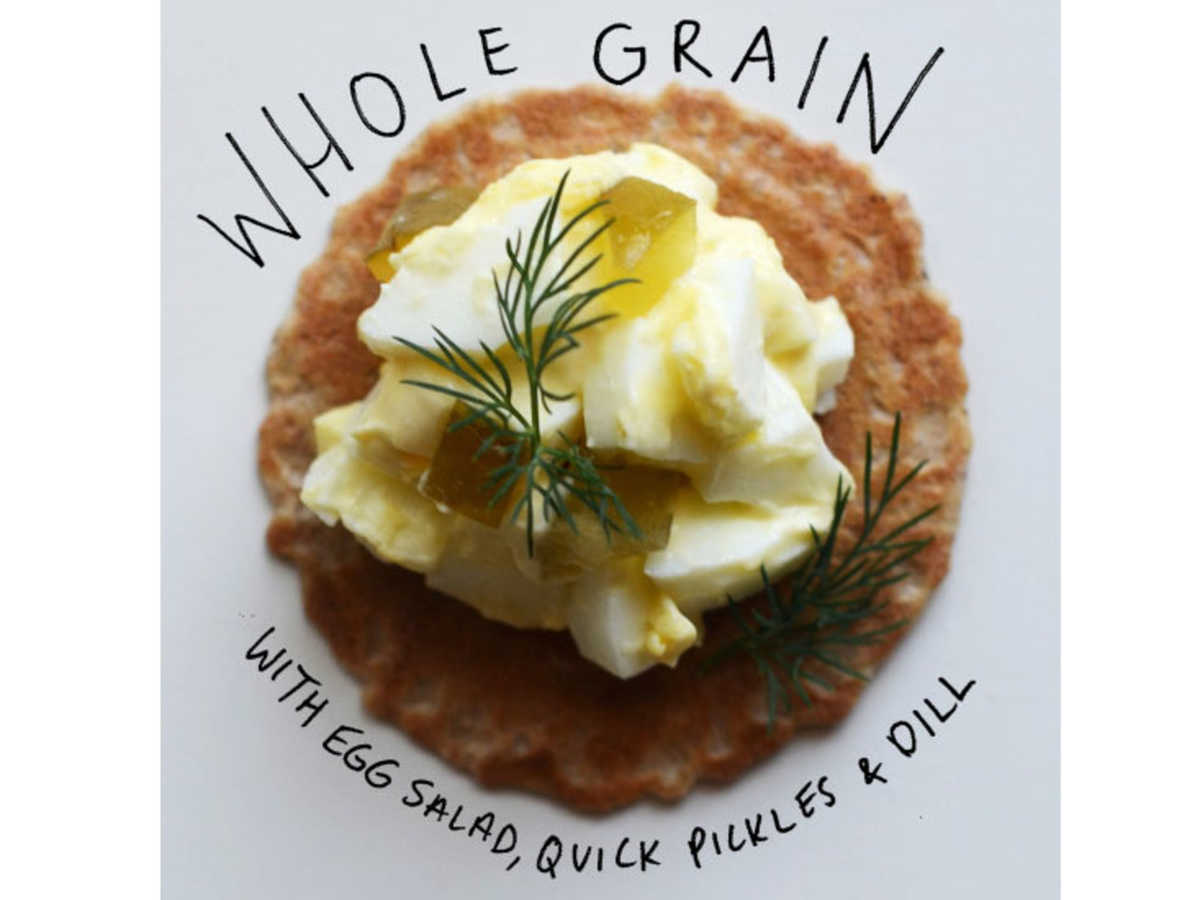 whole grain cracker toppings image