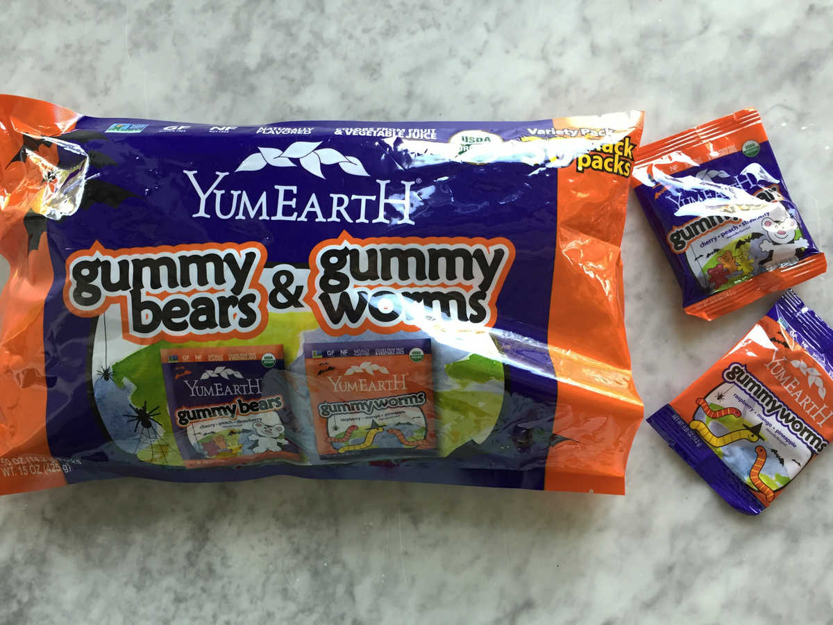 um Earth Gummy Bears and Worms