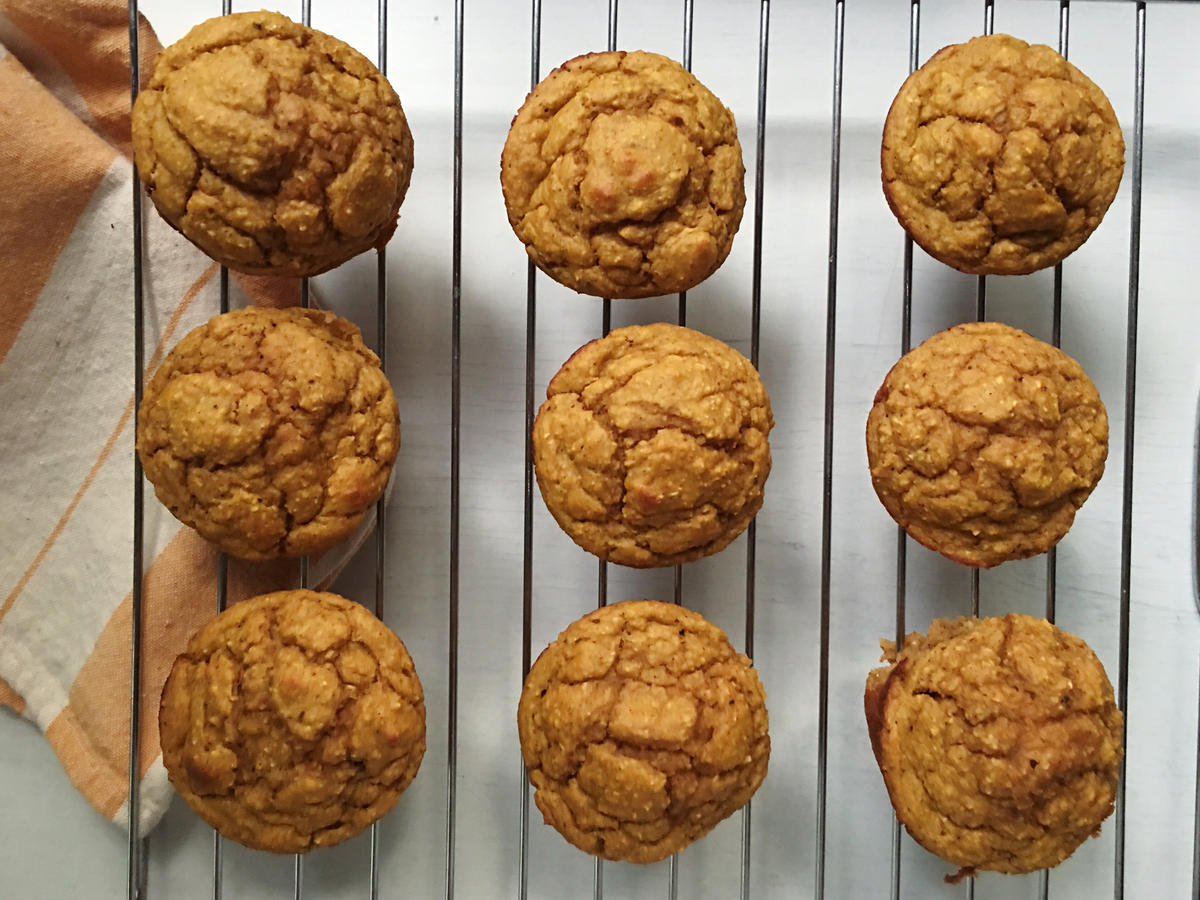 1610w 100-Calorie Magical Maple Pumpkin Blender Muffins