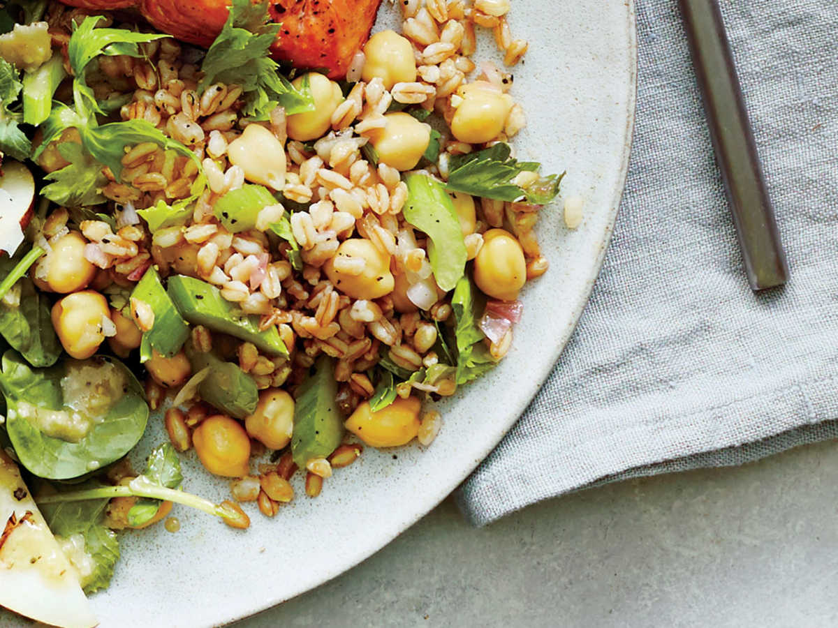 Diets higher in whole grains have been linked to lower levels of inflammation and cognitive decline; whole grains are a staple in the Mediterranean and DASH (Dietary Approaches to Stop Hypertension) diets. This salad combines brain-boosting farro, chickpeas, and olive oil with the bright crunch of fresh celery. Simple, quick, and delicious.