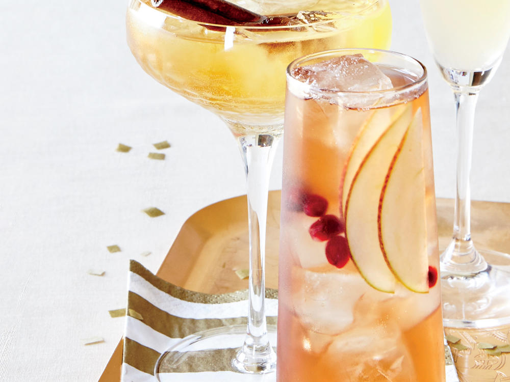 Welcome the New Year the right way with a Vanilla-Fig Champagne Sparkler. Cheers!