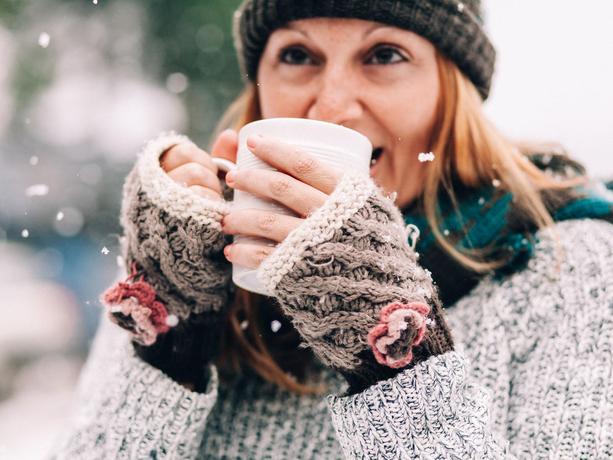 9 Caffeine-Free Drinks to Keep You Warm This Winter