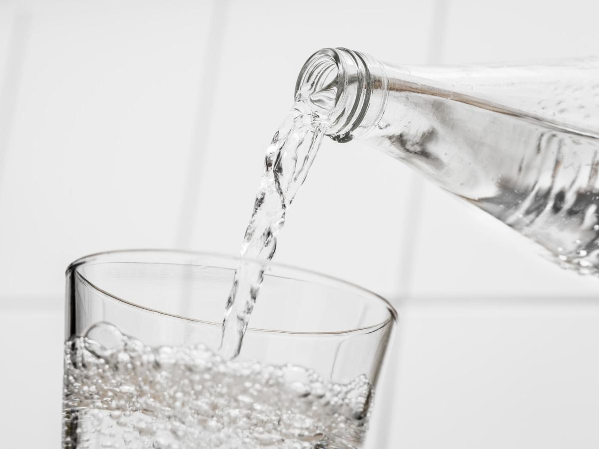 Bubbles 101: What's the Difference Between Seltzer, Sparkling Mineral Water, Club Soda, and Tonic Water?