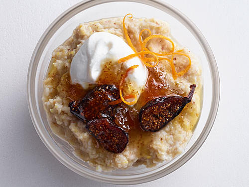 Whole-grain wheat, rye, oats, triticale, barley, brown rice, oat bran, and flaxseed pack a punch of texture and 37g whole grains per serving. Add fresh figs if you have them on hand.