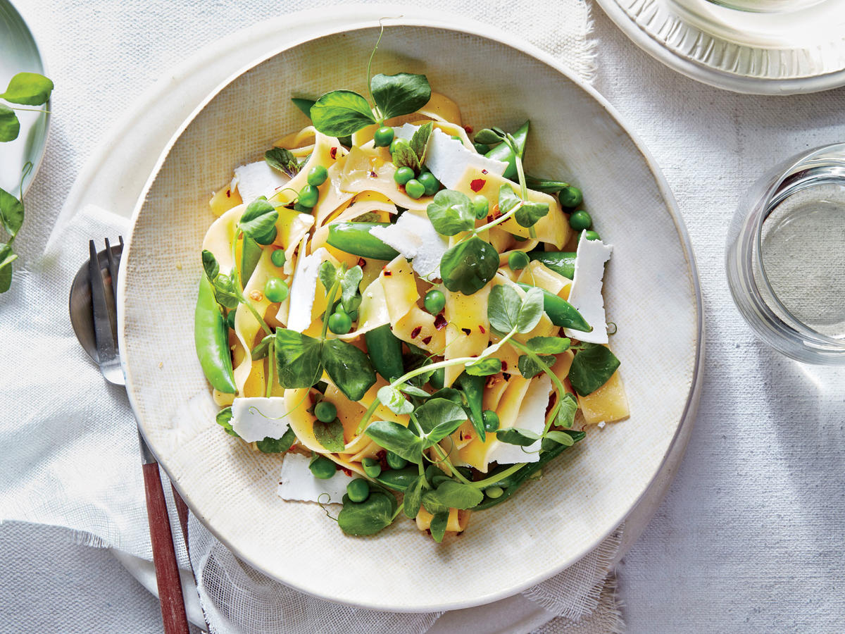 Meatless Monday: Pea Pappardelle Pasta