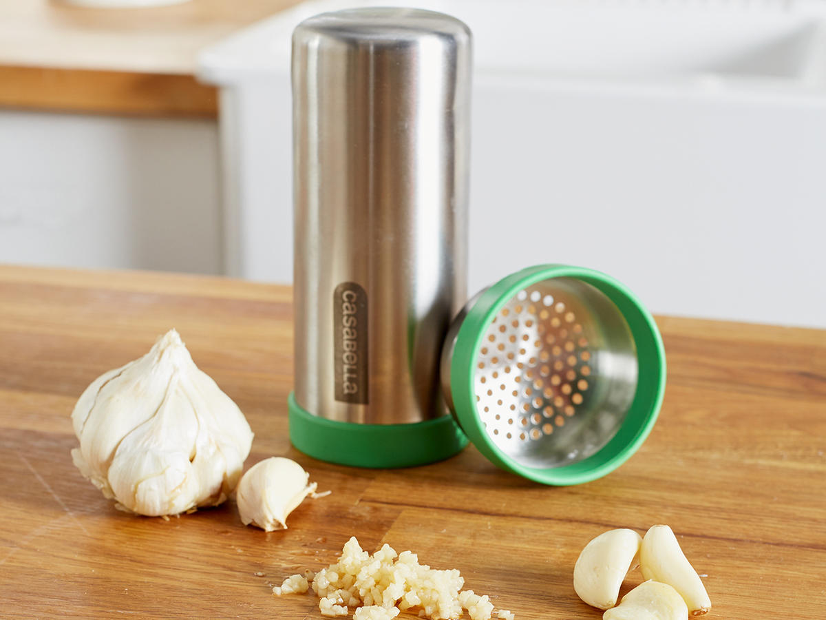 Casabella Garlic Shake 'n Press
