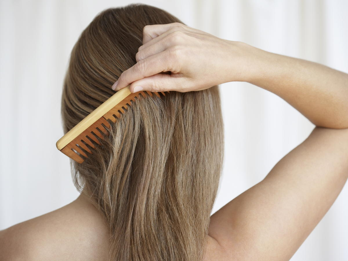 If you can't get yourself out of bed early enough to exercise and get gussied up, then you're in luck. Blow drying, straightening, and styling your hair for 35 minutes burns 100 calories.