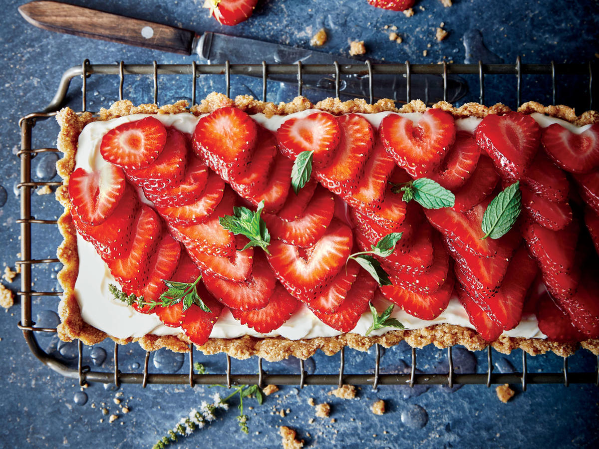 The rectangular tart pan makes for a striking presentation, but if you don't have one, you can use a 9-inch tart pan or pie plate.