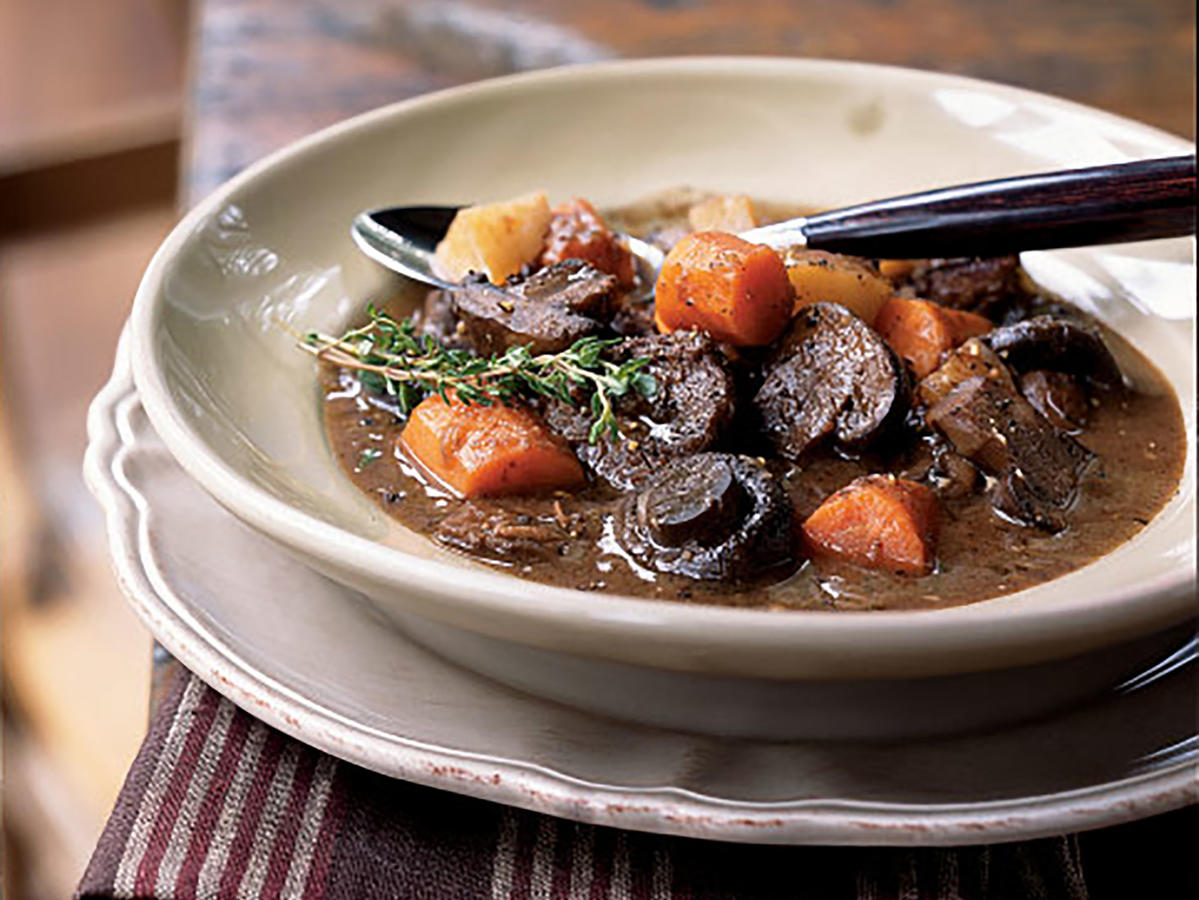 Healthy Basic Beef Stew with Carrots and Mushrooms Recipe