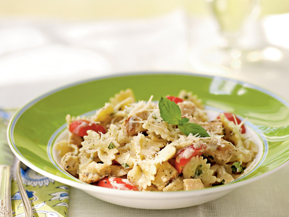 Grilled Chicken and Pesto Farfalle Recipe