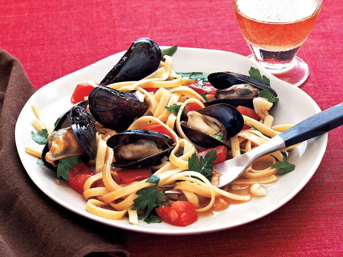 Fettuccine with Mussels