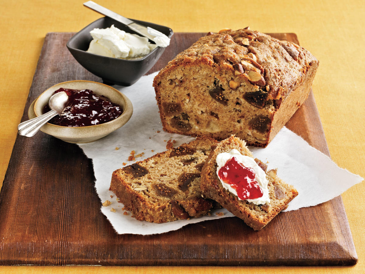 On busy mornings, the first thing to neglect shouldn't be breakfast. With these quick and healthy choices you won't think twice about skipping the most important meal of the day.