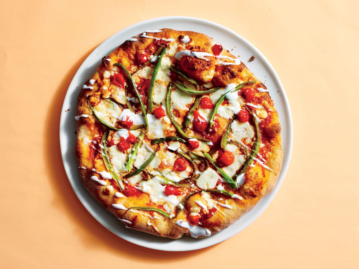 5 Dishes You Should Avoid (and the 5 You Should Order) at Pizza Restaurants