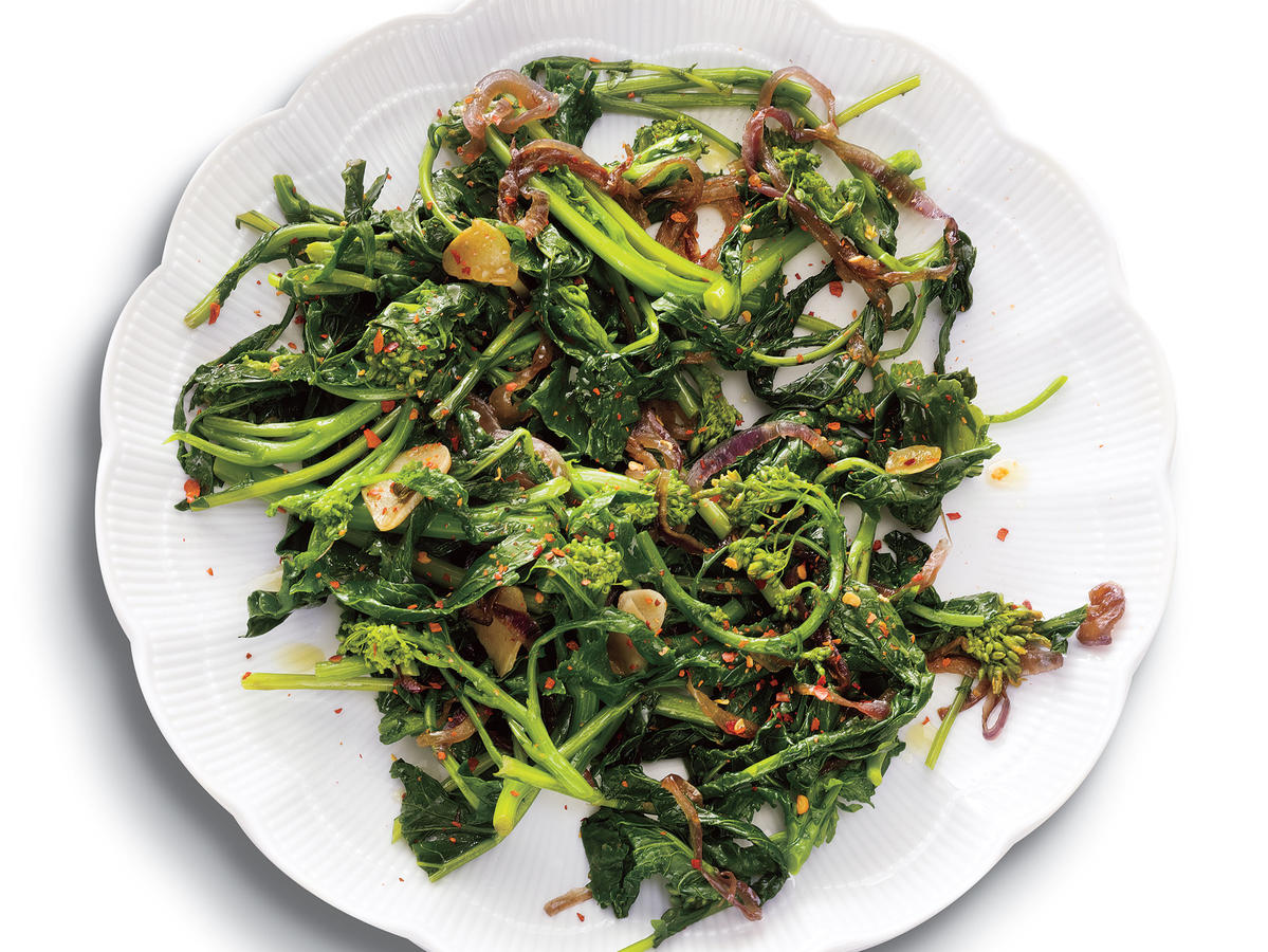 Spicy Sautéed Broccoli Rabe with Garlic Recipe