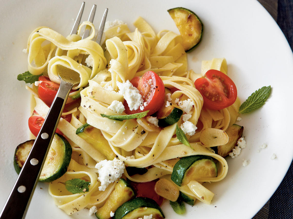Healthy Zucchini, Cherry Tomato, and Fresh Ricotta Pasta Recipes