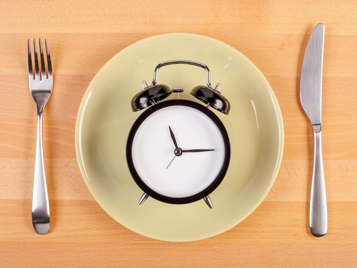 What Is Alternate-Day Fasting, and Is It Even Safe? Here's What Nutritionists Have to Say