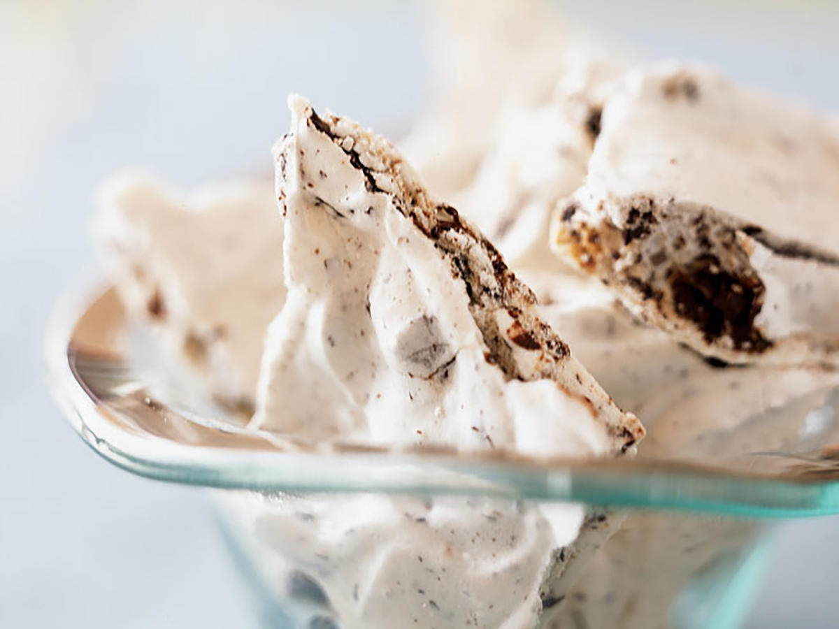 Chocolate-Cherry Chunk Meringues