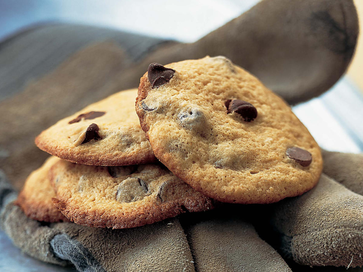 1210 Puffed-Up Chocolate-Chip Cookies