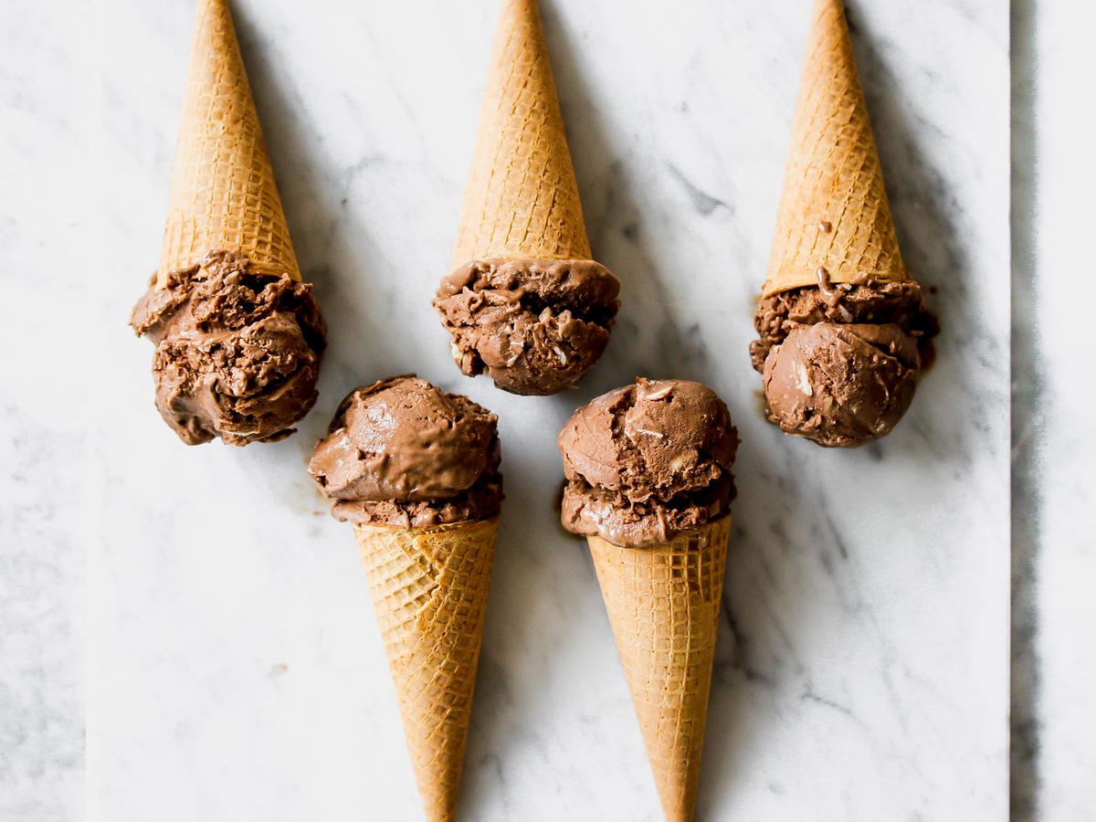 This Dairy-Free Almond Joy Ice Cream Has Just 138 Calories