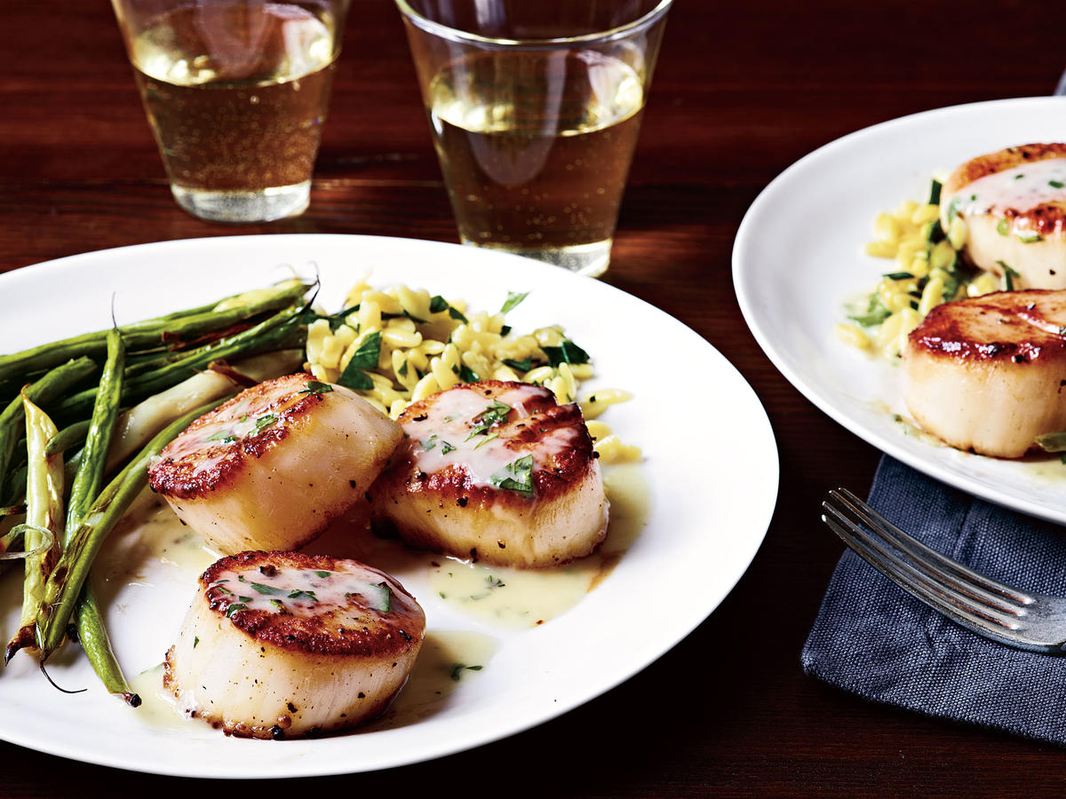 Seared Scallops and Herb Butter Sauce