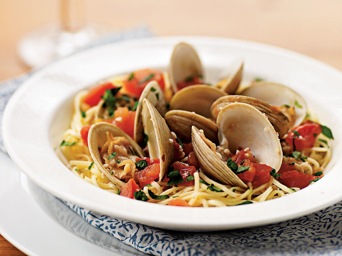 Steamed Clams and Tomatoes with Angel Hair Pasta