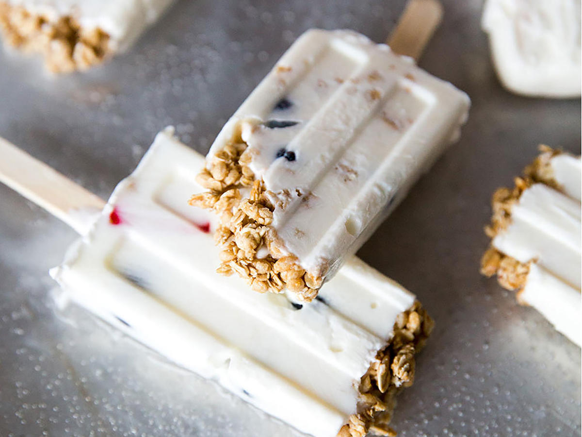 Breakfast Parfait Pops