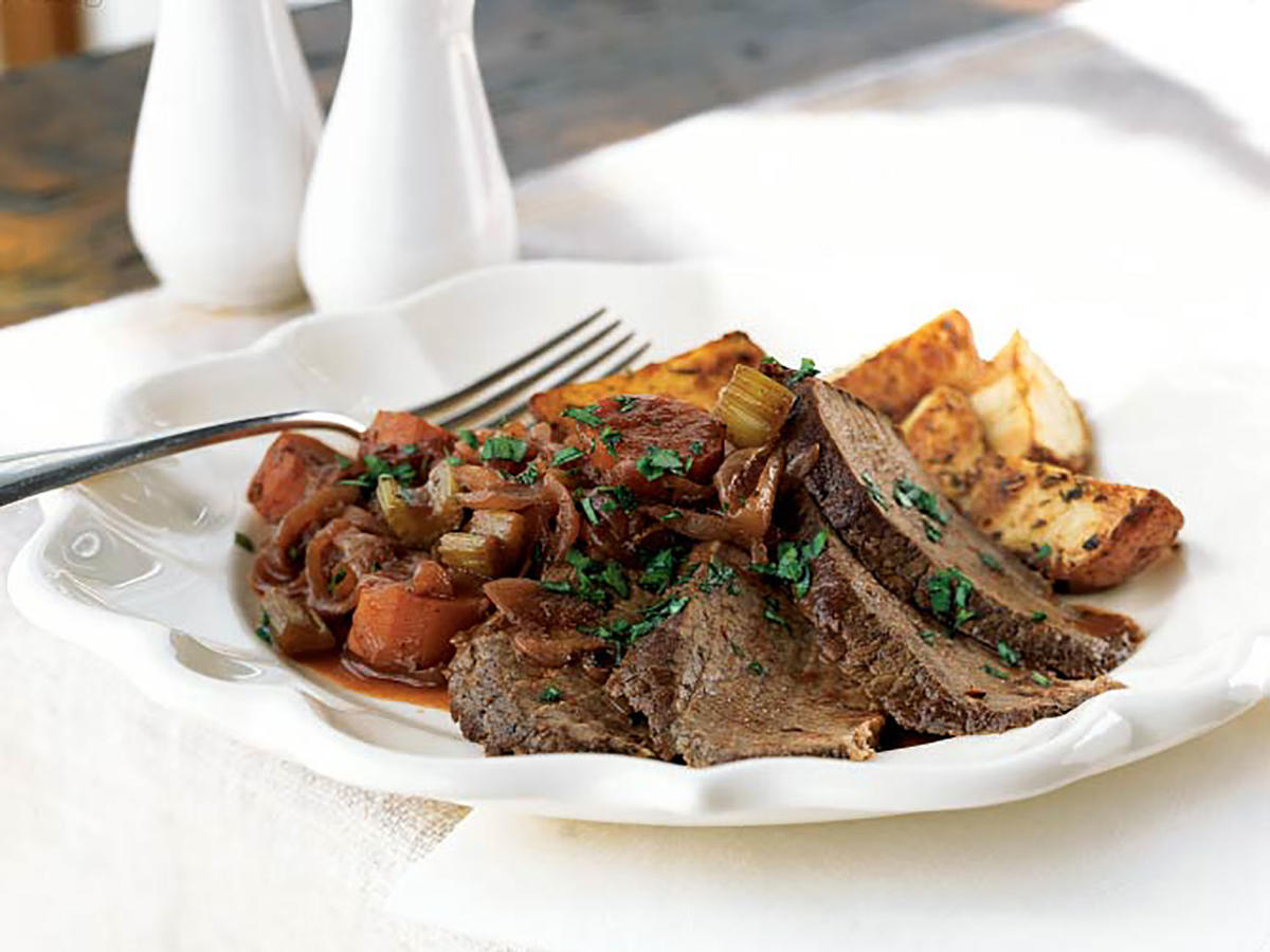 zinfandel braised beef brisket with onions and potatoes recipe