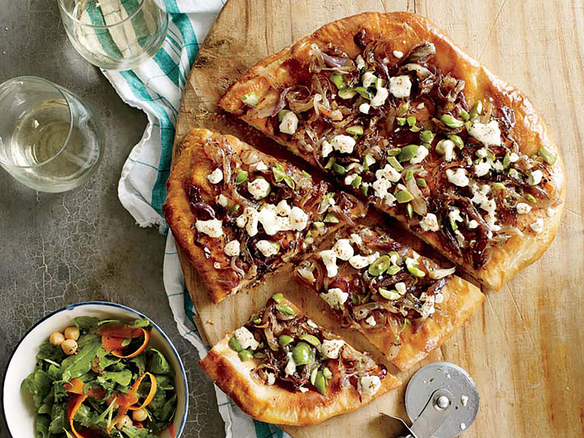 1408 Caramelized Onion and Olive Pizza with Goat Cheese