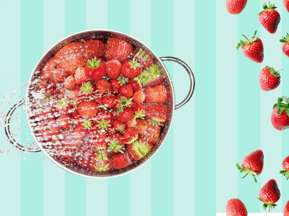 This is The Most Effective Way To Wash Your Fresh Summer Strawberries