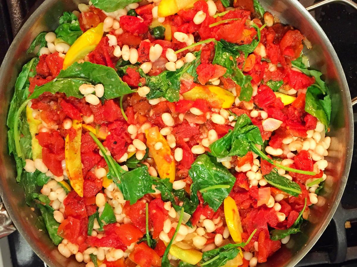 ab-navy-beans-with-summer-squash-spinach-and-tomatoes.jpeg