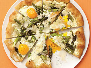 asparagus-ricotta-and-egg-pizza2.jpg