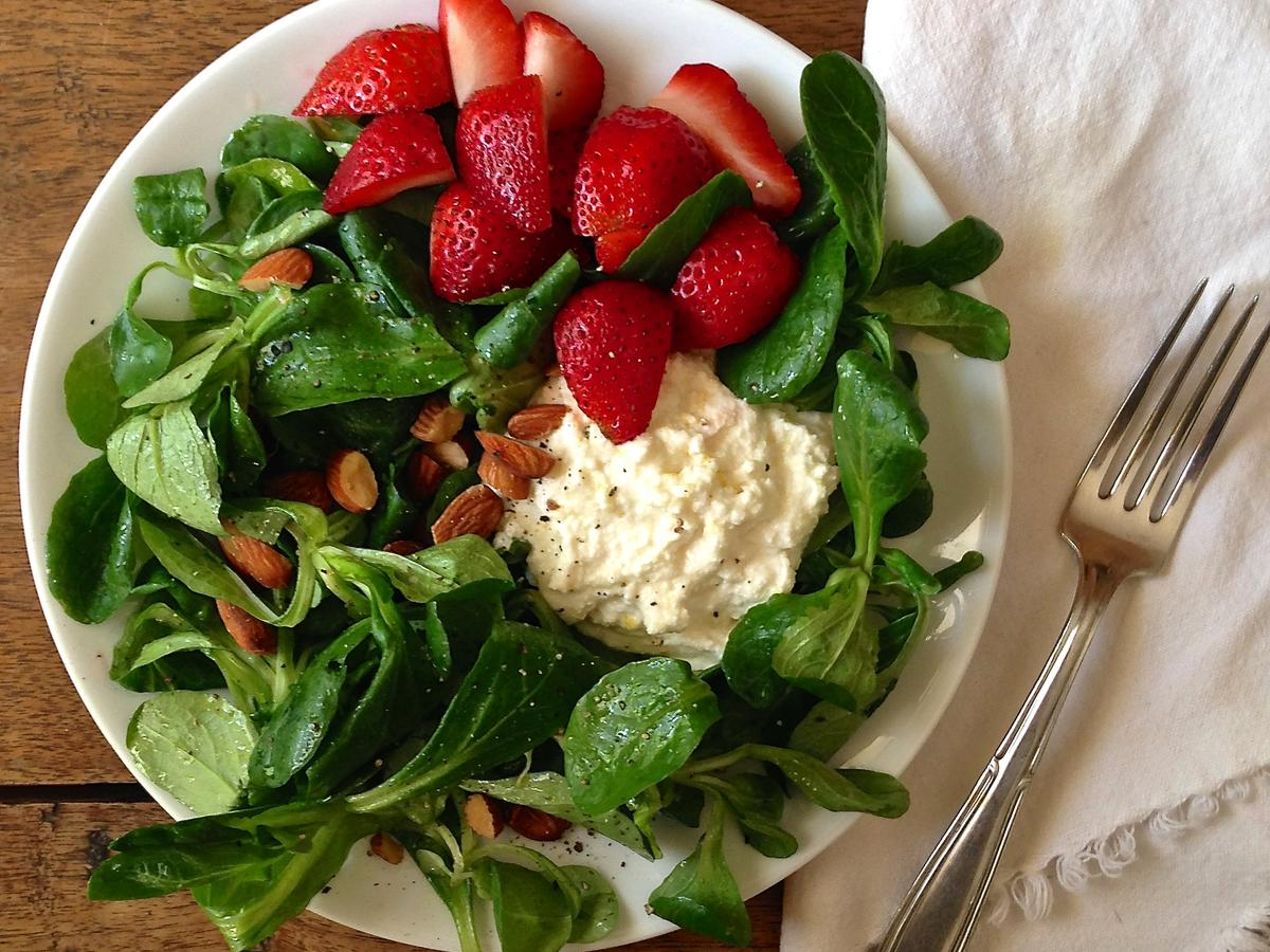 bfast-salad-with-honey-lemon-ricotta.jpg