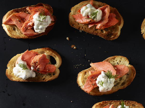 broiled-salmon-crostini.jpg