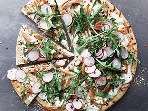 chicken-arugula-radish-pizza.jpg