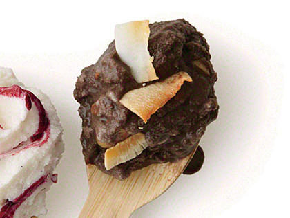 chocolate-almond-ice-cream-with-coconut.jpg