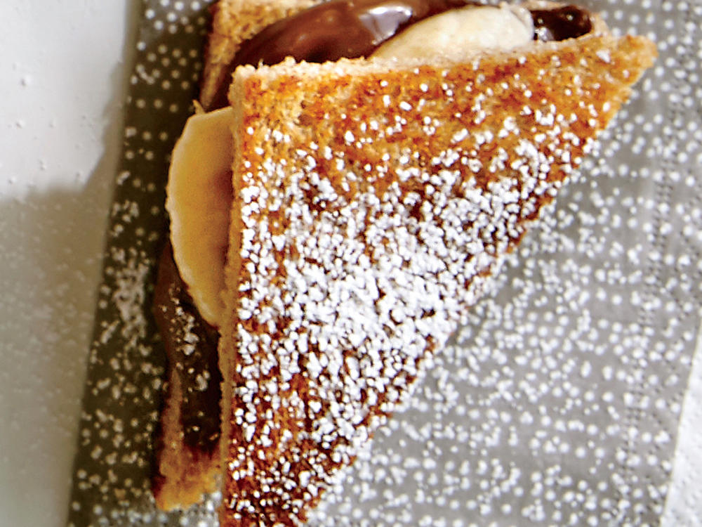 chocolate-hazelnut-banana-finger-sandwiches-ck.jpg