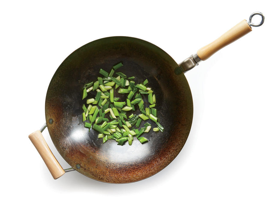 choosing-seasoning-wok.jpg