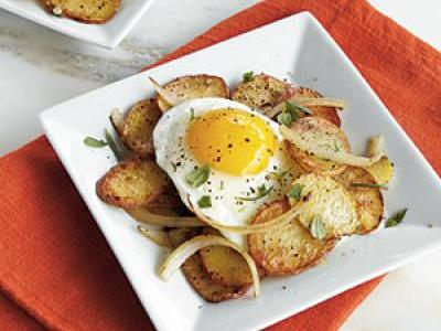 oh3700p68-potato-coins-with-fried-eggs-m.jpg