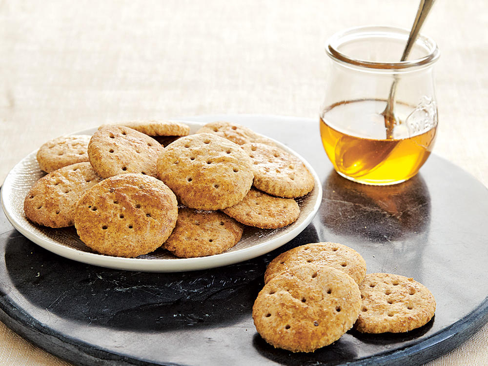 oh4397p200-honey-wheat-buttery-crackers.jpg