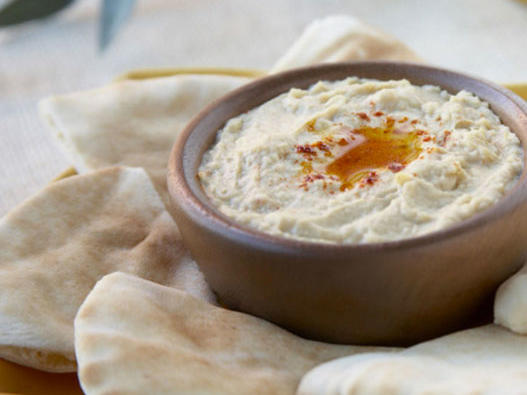 This Hummus Dip Has Helped Me Double My Veggie Consumption